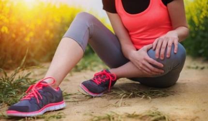 5 asane care combat durerile de genunchi